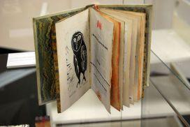 Jan-Melville-art-book.JPG