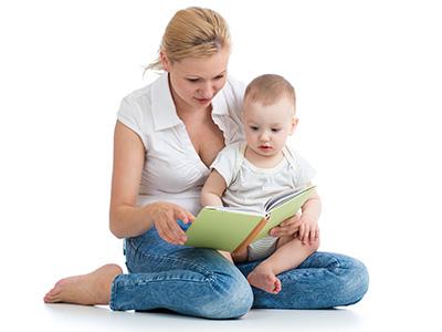 Babies Love Books in French - Les Bébés Aiment Les Livres