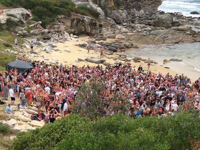 Backpacker party at Little Bay Beach