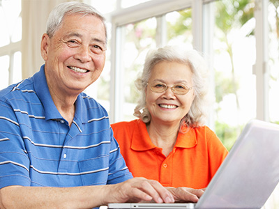 Tech Savvy Seniors in Mandarin