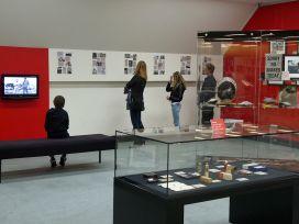 Admiring-the-exhibits.jpg