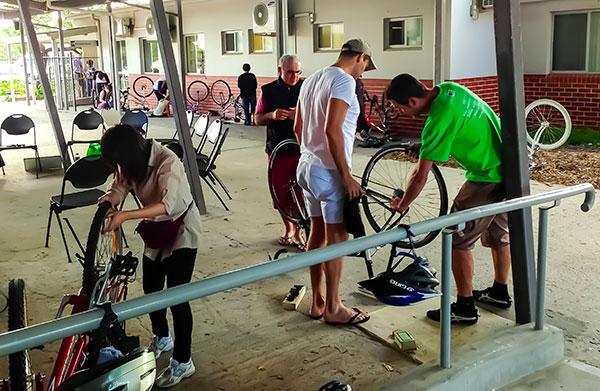 Bike maintenance workshop 2013. Photo: Russ Grayson