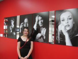 Artist-Emma-Vincent-with-her-work-Its-not-what-you-look-at,-but-what-you-see.jpg